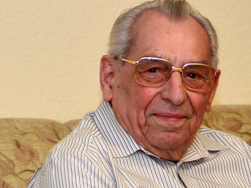 Helmut S.